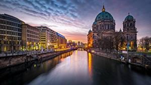 Фото Берлин Германия Вечер Водный канал Города