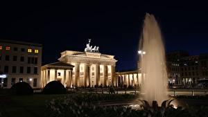Фотография Берлин Германия Фонтаны Ночью Brandenburg gates