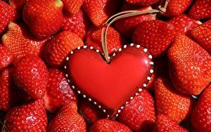 Обои Ягоды Много Клубника Красная Серце Шаблон поздравительной открытки Пища