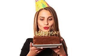 Фотография День рождения Торты Белым фоном Шатенка Английский Текст Красные губы Девушки