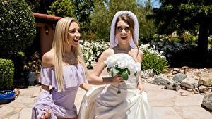 Картинка Букет Невесты Две Блондинка Платья девушка