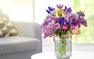 Фото Букеты Сирень Тюльпаны Вазы Банки Цветы