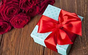 Обои Бантик Красные Подарки Коробки