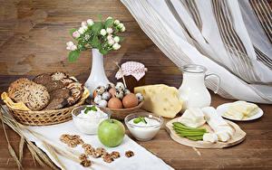Фото Хлеб Сыры Яблоки Творог Молоко Орехи Завтрак Ваза Яйца Кувшин