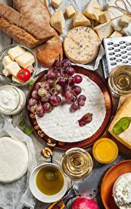 Обои для рабочего стола Хлеб Сыры Вино Виноград Томаты Грецкий орех Бокалы Еда