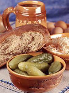 Обои для рабочего стола Хлеб Огурцы Миска Продукты питания