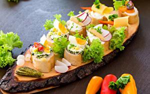 Фотография Хлеб Огурцы Овощи Перец Бутерброды Яйца Пища