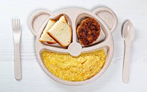 Обои Хлеб Каша Мясные продукты Доски Тарелке Ложки Вилка столовая Продукты питания