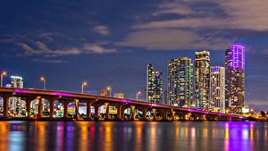 Обои Мосты Дома Небоскребы Штаты Ночью Майами Залив Biscayne Bay Города