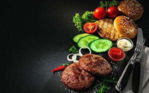 Фото Булочки Мясные продукты Огурцы Томаты Котлета Кетчупа Пища