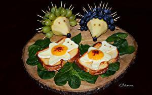 Фото Бутерброды Хлеб Виноград Черника Ежики Яичницы Дизайна Листва Продукты питания