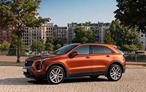Картинка Кадиллак CUV Сбоку Металлик XT4 350D, Launch Edition Sport, 2020 Автомобили
