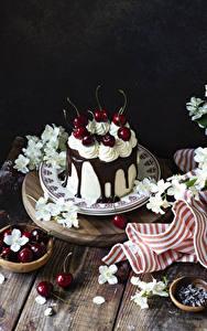 Картинка Торты Вишня Шоколад Тарелке Еда