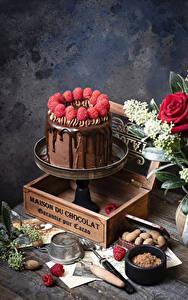 Фотографии Торты Шоколад Малина Дизайна Какао порошок Продукты питания