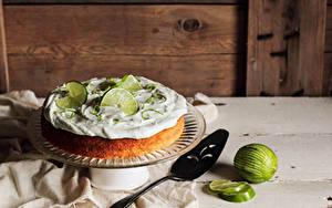 Картинка Торты Выпечка Лайм Boozy Margarita lime cake Продукты питания
