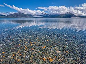 Обои для рабочего стола Канада Камень Озеро Горы Пейзаж Облачно Kluane Lake Природа