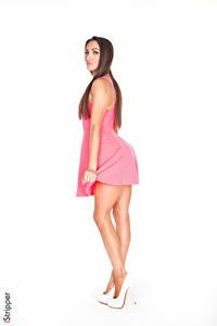 Обои Celeste Star iStripper Белом фоне Шатенка Руки Платье Ноги молодая женщина