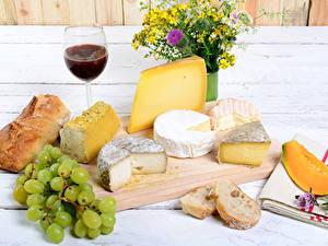 Картинки Сыры Вино Виноград Хлеб Натюрморт Букеты Разделочной доске Бокал Еда