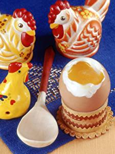 Фотографии Курица Игрушка Яйцами Ложки