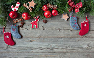Картинки Новый год Яблоки Бадьян звезда аниса Доски Звездочки Носки Бантик Шаблон поздравительной открытки Еда