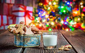 Картинки Рождество Выпечка Печенье Молоко Стакана Доски Продукты питания