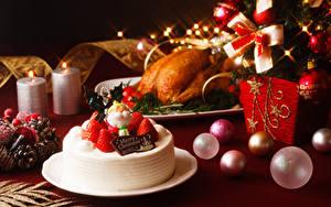 Фото Рождество Торты Клубника Шар Тарелка Дизайн Пища