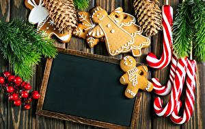 Картинки Рождество Печенье Ягоды Сладости Доски Шаблон поздравительной открытки