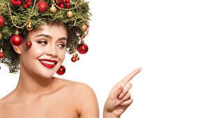 Фотография Рождество Оригинальные Пальцы Белый фон Ветвь Шарики Красные губы Лицо Шаблон поздравительной открытки девушка