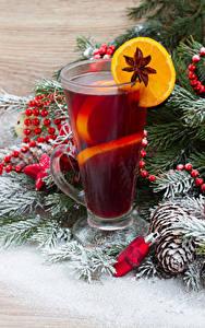 Фотографии Новый год Напитки Лимоны Бадьян звезда аниса Ветки Стакане Шишки Продукты питания