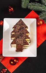 Фотографии Новый год Пирожное Шоколад Серый фон Дизайн Елка Шар Ветки Пища