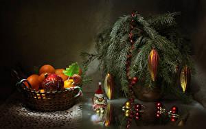 Картинка Новый год Мандарины Сладости Леденцы На ветке Шарики Еда