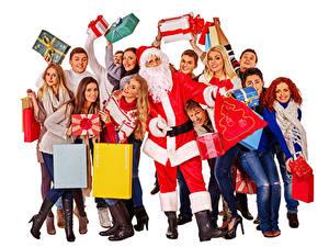 Картинки Рождество Мужчины Люди Белый фон Санта-Клаус Подарки Девушки