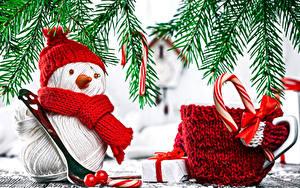 Обои Рождество Снеговики Шапки Шарф Чашка Подарки Бантик