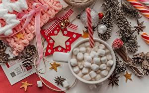 Фотография Рождество Звездочки Шишки Шарики Колокольчик Бантики Маршмэллоу