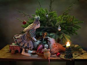 Обои Рождество Натюрморт Свечи Ветка Шар Куклы