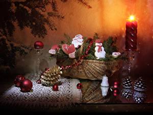 Картинка Рождество Натюрморт Свечи Печенье Корзины Ветки Шишка Дизайна Снеговик Шарики Пища