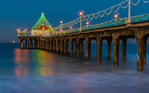 Картинки Рождество США Причалы Вечер Калифорния Гирлянда Залива Manhattan Beach