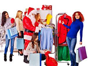 Обои Новый год Белый фон Дед Мороз Подарки Девушки