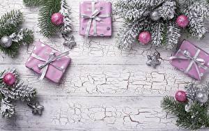 Фотографии Рождество Доски Коробки Шар Подарок Звездочки