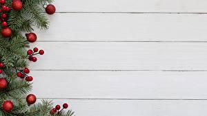 Обои для рабочего стола Рождество Доски Ветки Шарики Шаблон поздравительной открытки