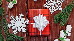 Фото Новый год Доски Ветвь Подарков Снежинки