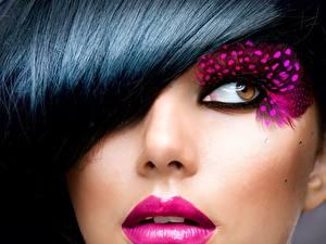 Фотографии Крупным планом Глаза Лицо Брюнетки Взгляд Мейкап молодая женщина