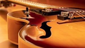 Картинка Крупным планом Гитара