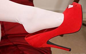 Фото Вблизи Ноги Туфлях Колготки Красных девушка