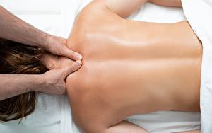 Обои Вблизи Спины Рука massage девушка