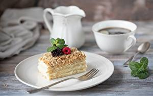Фотографии Кофе Ягоды Пирожное Тарелке Вилки Пища