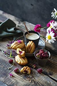 Фотографии Кофе Капучино Печенье Малина Доски Стакане Пища