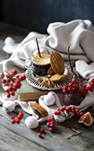 Фотография Кофе Печенье Ягоды Рябина Инжир Доски Кружка