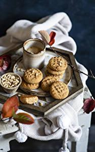 Фото Кофе Печенье Капучино Кружки Листва Пища