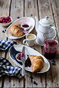 Обои для рабочего стола Кофе Круассан Чайник Доски Завтрак Чашка Тарелке Банки Еда